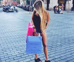 girl and shopping image