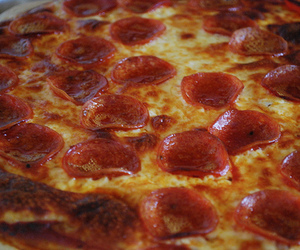food, savoury, and pizza image