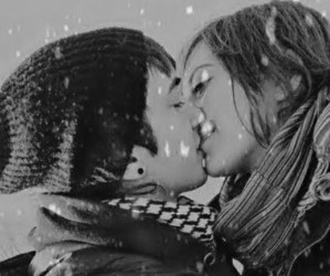 snow, kiss, and cute image
