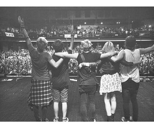 concert, family, and r5 image
