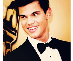 Taylor Lautner, Hot, and smile image