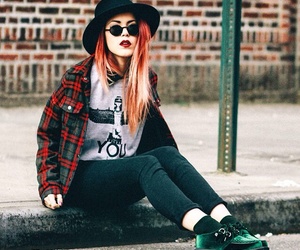 clothes, goth, and grunge image