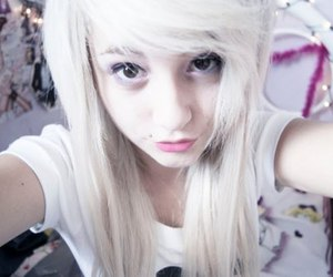 girl, blonde, and cute image