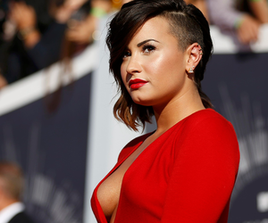 demi, girl, and red image