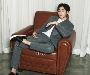 chair, instyle, and like a boss image