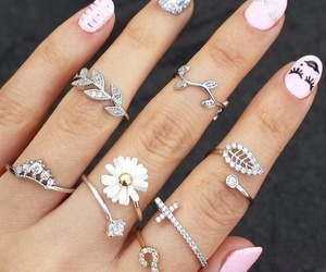 chic, rings, and chicas image