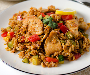 Chicken, rice, and curry image
