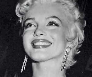 beauty, glamorous, and Marilyn Monroe image