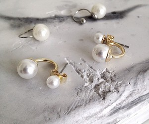 pearls and fashion image