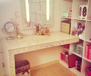 girly, home, and perfumes image
