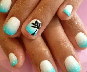 blue nails and white image