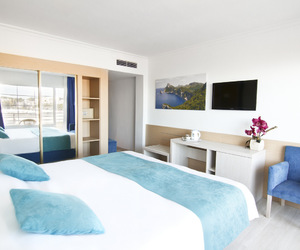 luxury, view, and rooms image