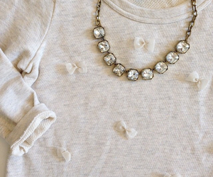 bows, jewerly, and lauren conrad image