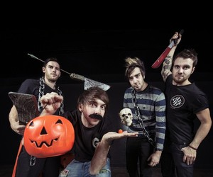 all time low and music image