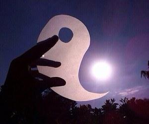 sun, ying yang, and hipster image