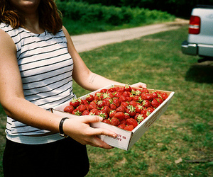 girl and strawberry image
