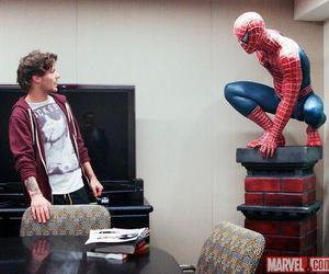 louis tomlinson, one direction, and spiderman image