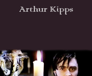 daniel radcliffe, the woman in black, and arthur kipps image