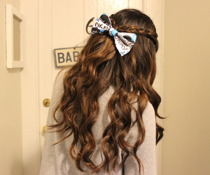bow, curly, and girl image