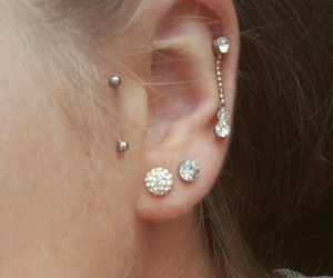 messy hair, summer, and tragus image