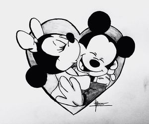 Mickey Mouse And Minnie Mouse Hugging Drawings