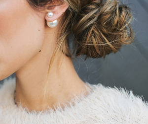 brunette, earring, and pearl image