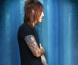 falling in reverse and jacky vincent image