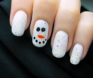 nails and snowman image