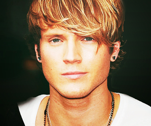 dougie poynter, Hot, and McFly image