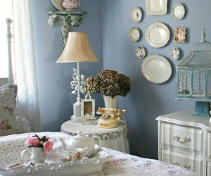 shabby chic, breakfast in bed, and shabby cottage image