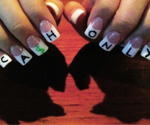 nails and cash image