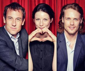 caitriona balfe, outlander, and tobias menzies image