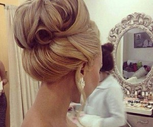 blond, princess, and hairstyle image