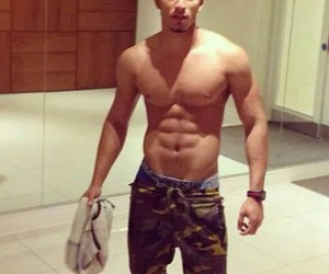 Hot and sixpack image