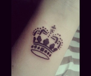 Queen and tattoo image