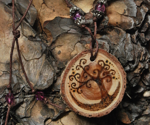 necklace and tree image