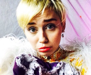 miley cyrus, miley, and bangerz tour image