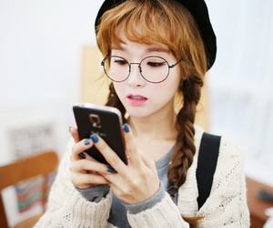 ulzzang, kim shin yeong, and สาวแว่น image