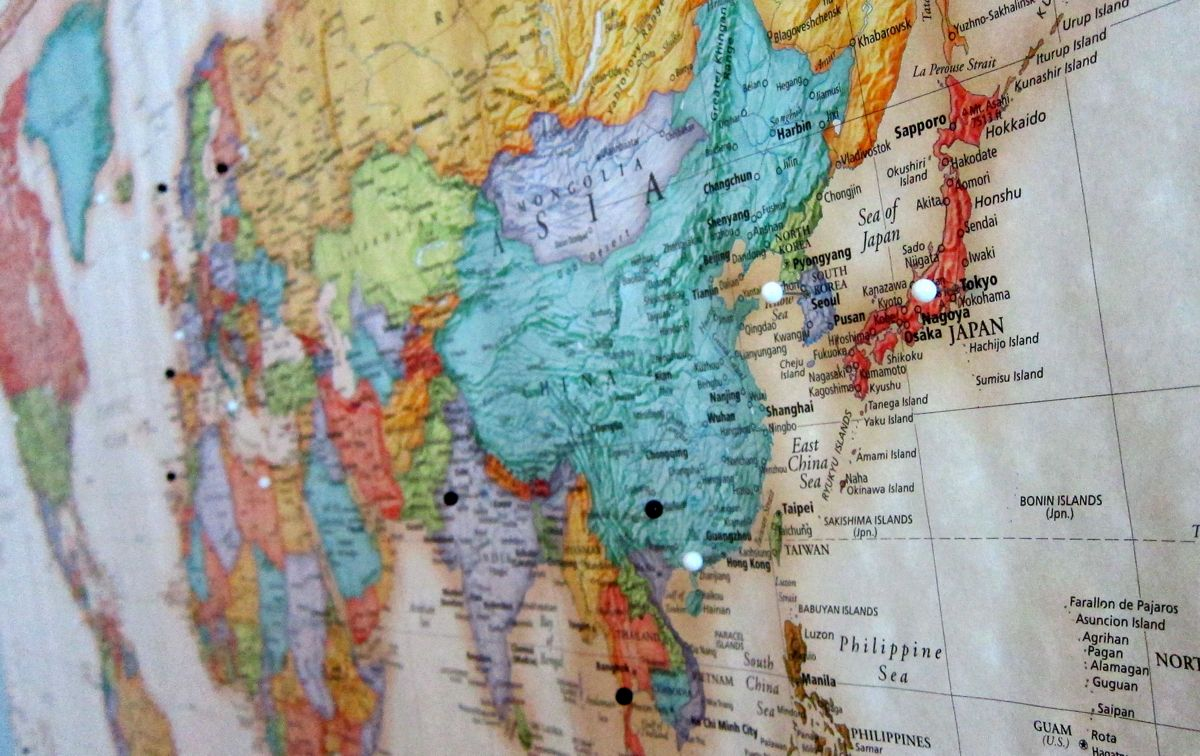 world maps pins uploaded by julia kossack on we heart it