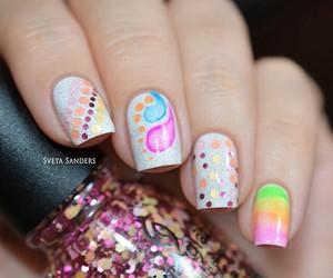 nails, uñas. colores. glamour, and belleza.morado.brillo image