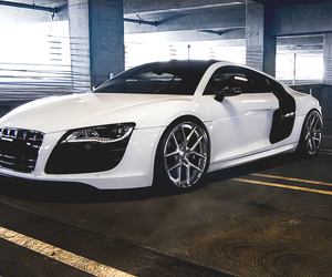 car and r8 image