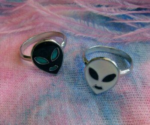 alien, grunge, and rings image
