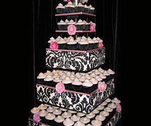 cake and cupcake image