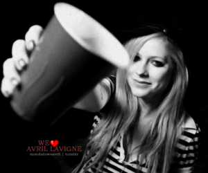 Avril Lavigne, black and white, and cheers image