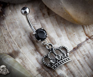 bellybutton, broken, and crown image