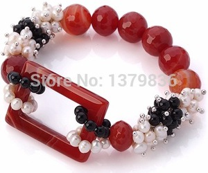 pearl brACELET, pearl jewelry, and lovely bracelet image