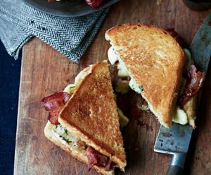 food, sandwich, and bacon image