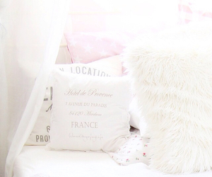 bed and pastel image