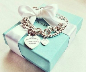 tiffany and gift image