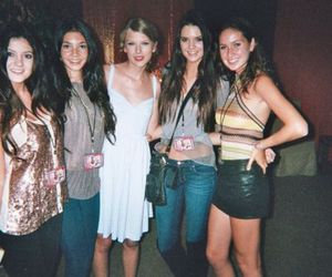 Taylor Swift, kendall jenner, and kylie jenner image